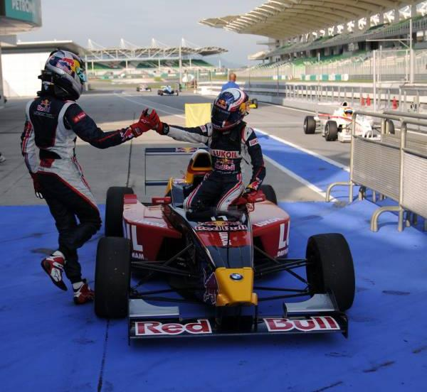 15 may 2010. Carlos Sainz Jr Daniil Kvyat